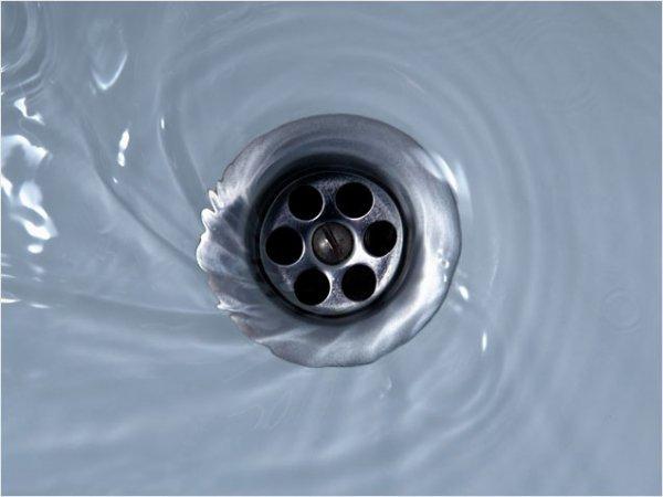 Отчего в канализации появляется бульканье?