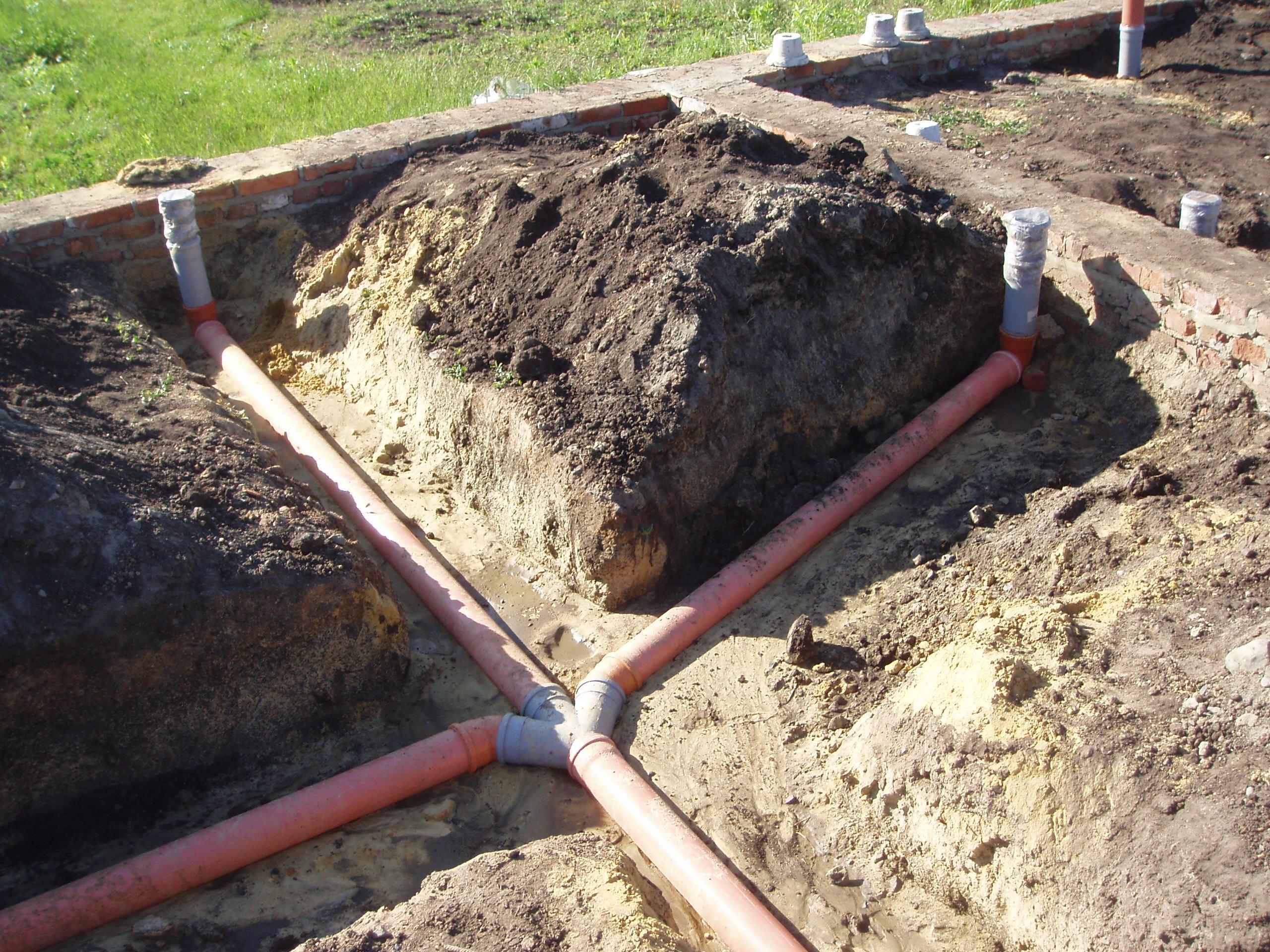 Как определить глубину заложения канализации?