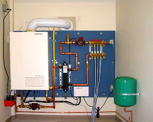 Как повесить на стену настенный газовый котел?