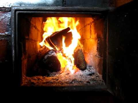 Как правильно топить дровяную печь?