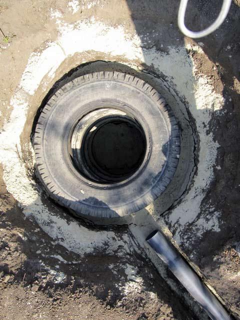 Как делается канализация из покрышек?