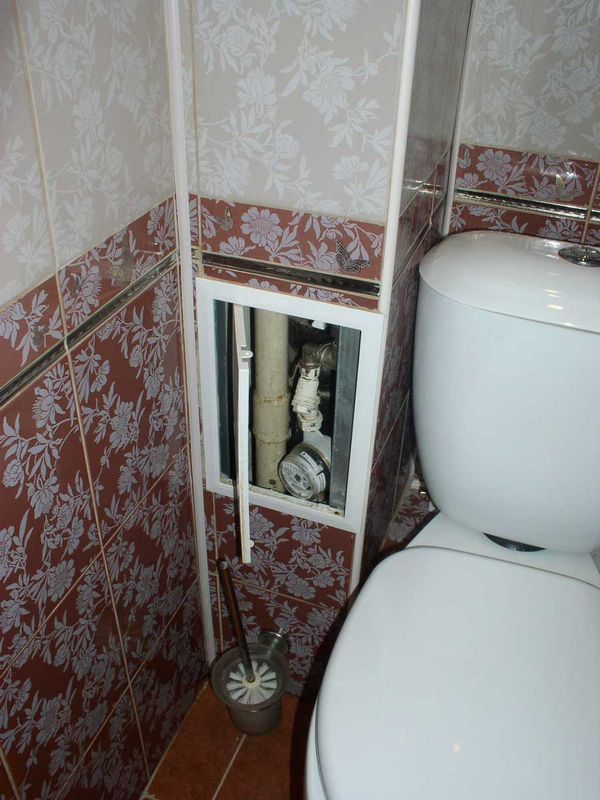 Как закрыть стояк в санузле?