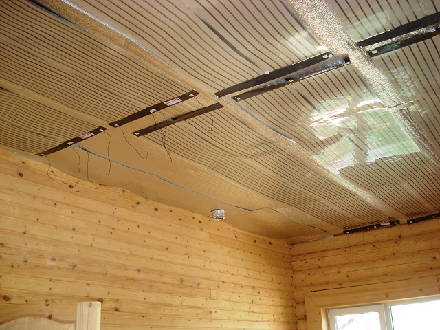 Теплый потолок: альтернатива теплому полу?