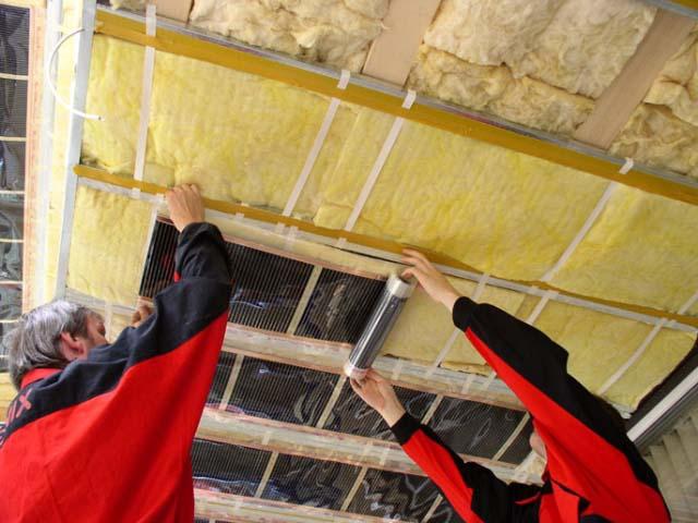 Как смонтировать теплый потолок