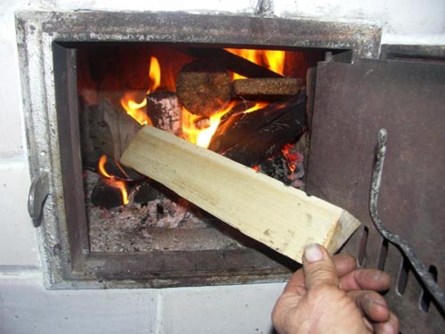 Как правильно топить отопительную печь?